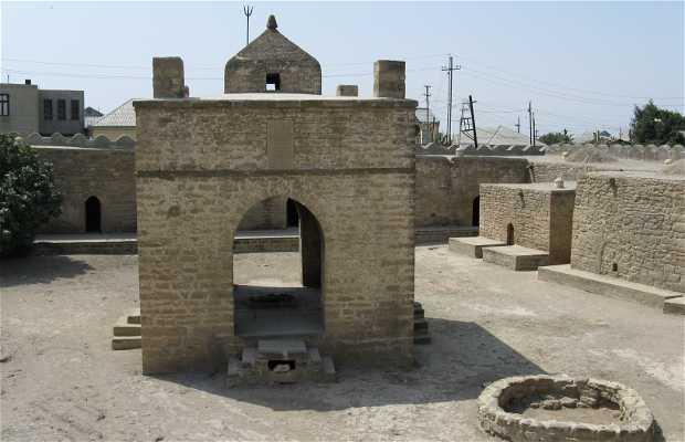 Templo de Zoroastro llamado Ateshgah