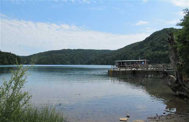 En bateau sur le lac Kozjak