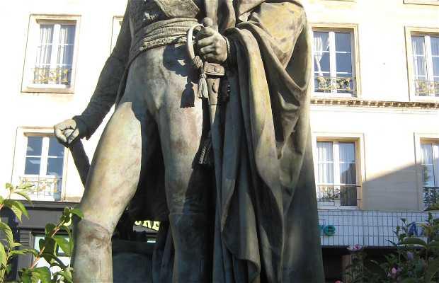 La statue du maréchal Oudinot