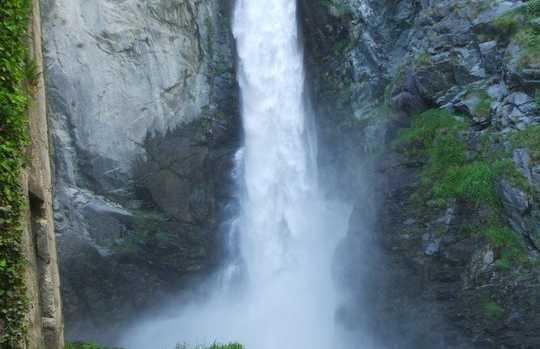 Isollaz Falls