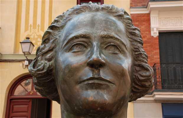 La Statue de Clara Campoamor