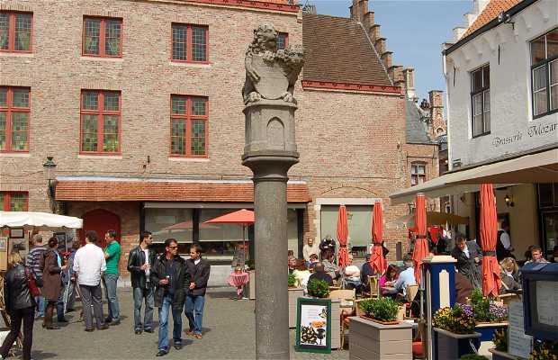 Piazza Huidenvettersplein