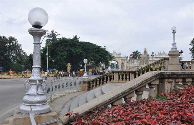 Estatua de Chamarajendra Wodeyar