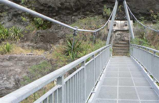 Le pont de la rivière des galets
