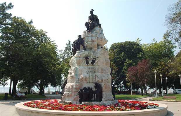 Monument to Jose Maria de Pereda