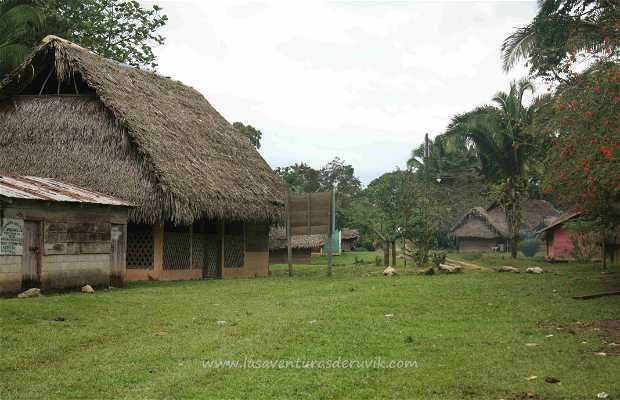 Poblados indígenas Rio Dulce