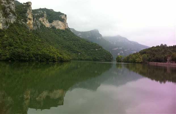 Sobrón reservoir