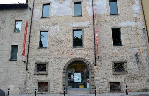 Galleria d 39 arte moderna e contemporanea en bergamo 2 for Galleria carrara bergamo