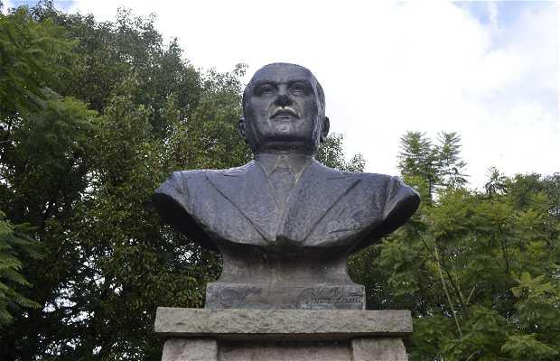 Monumento à Dante Marcucci