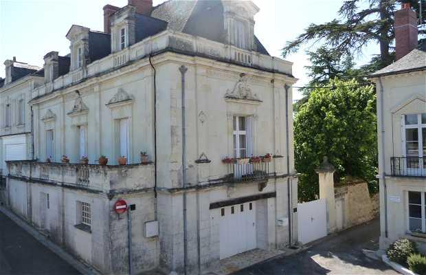 Bréhémont Town Hall