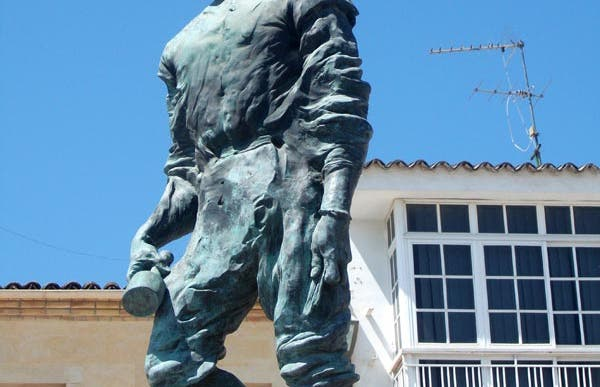 Pablo de Rojas Monument