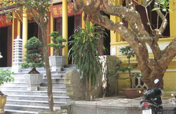 Hoe nhai pagoda