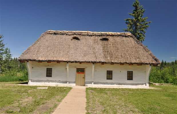 Vivienda de los Pioneros Ucranianos