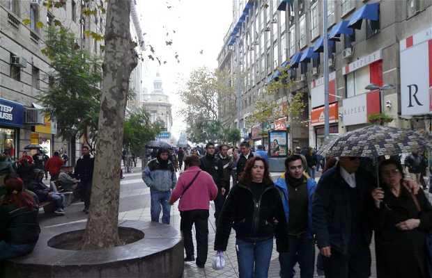 Calle Huérfanos