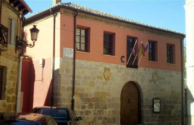 Casa della Cultura e Biblioteca Municipale Marqués de Santillana