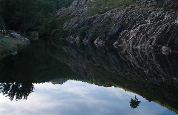 Cañamero piscina natural