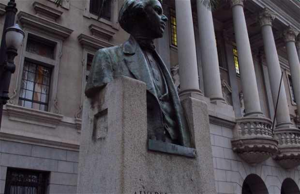 Estátua Alvares de Azevedo