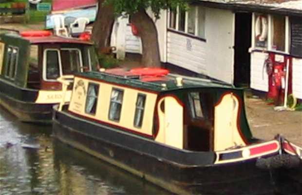 Estación Farncombe Boat House