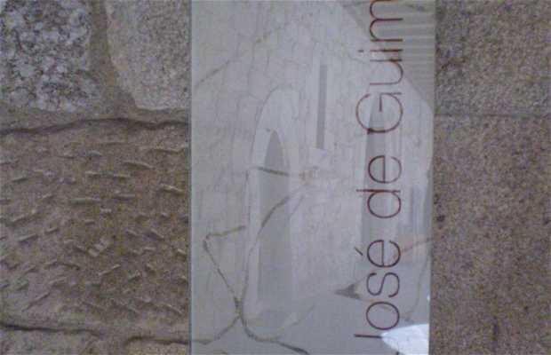 Exposición de José de Guimarães