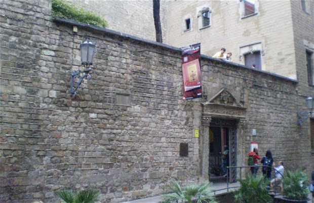 Casa de L' Ardiaca - Archivo Histórico de la Ciudad