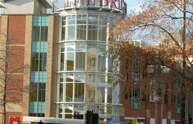 "Centro comercial ""The Bridges"""