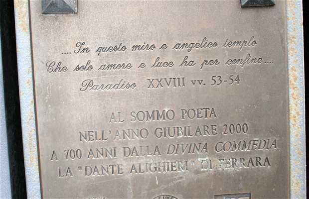 Estatua de Dante Alighieri - Parque Massari
