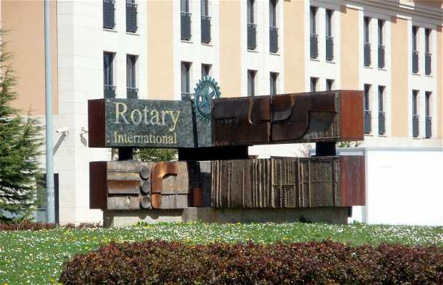 Estatua de Rotary Internacional 100 años