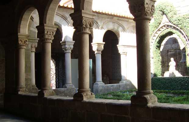Claustro do Museu Alberto Sampaio