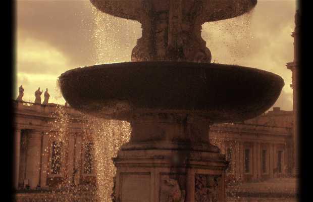 Fuente de la Piazza San Pietro