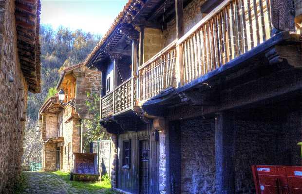 Historic Center of Bárcena Mayor