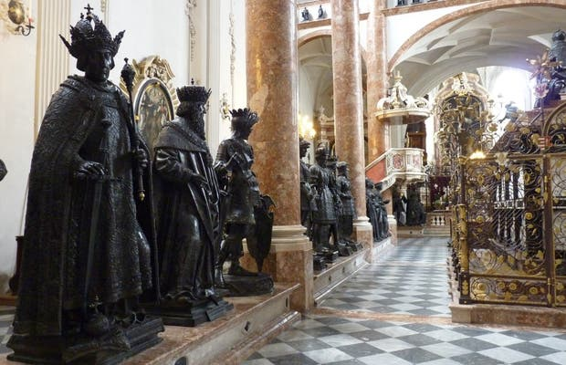 Iglesia de la Corte - Cenotafio del Emperador Maximilian I