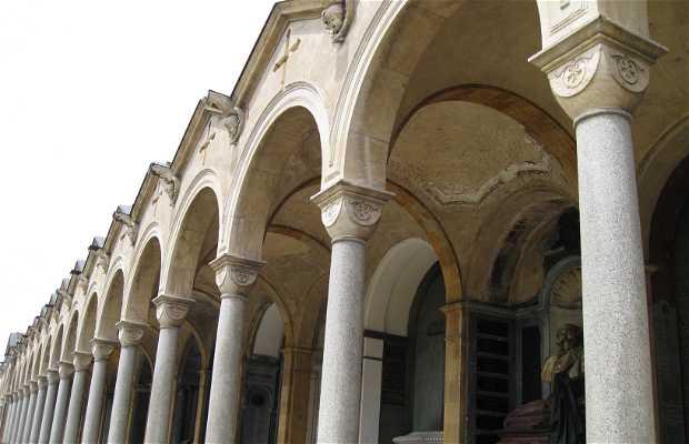 Arcada Cementerio de Turin