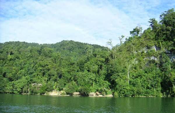 El Lago de Izabal