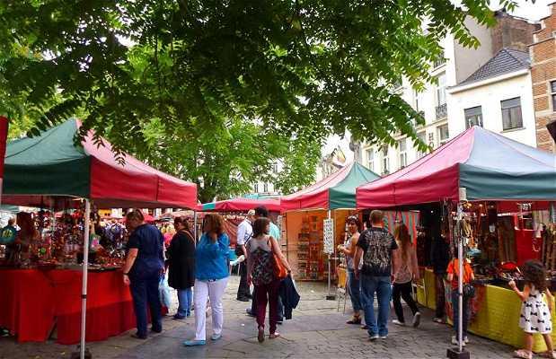 Mercado de artesanía Rond-point Agora