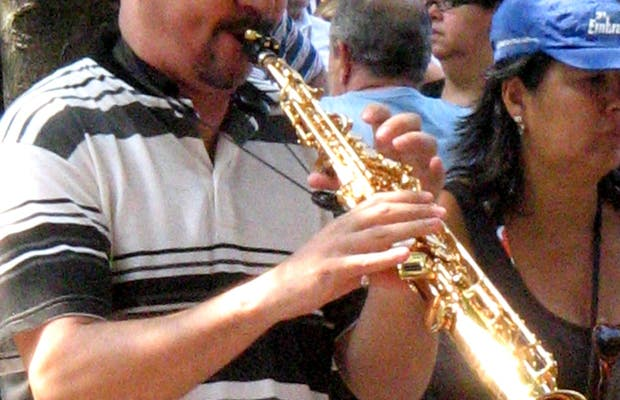 Musica en la Feria de la Praça São Salvador