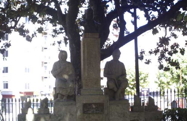 Monumento a Valentín Lamas