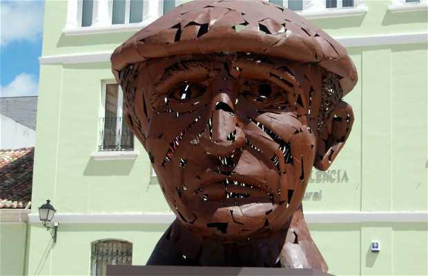 Estatua de Don Abilio Calderón Rojo