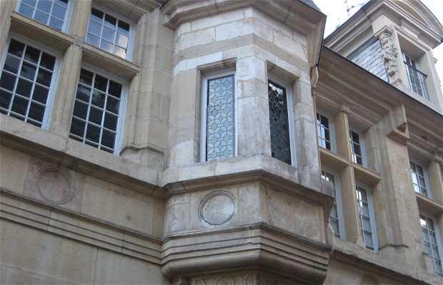 Les échauguettes de la rue Jean-Baptiste Liégeard