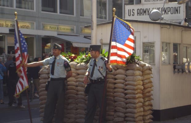 Wall Museum - Checkpoint Charlie