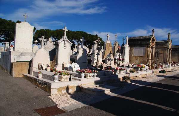 Graveyard of Les Passons, Aubagne, France