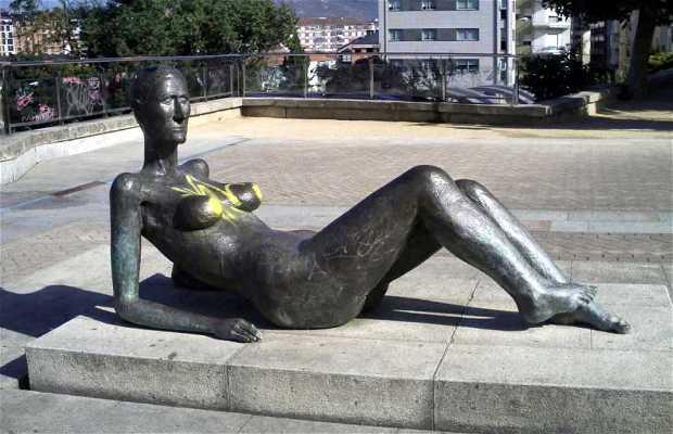 Escultura a la mujer