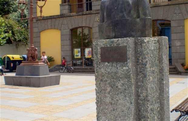 Monumento a Luis Alvarez Cruz