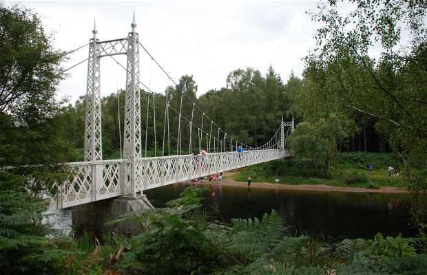 Puente colgante en Cambus O'May