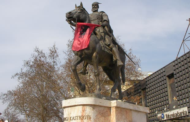 Skanderberg Equestrian Statue