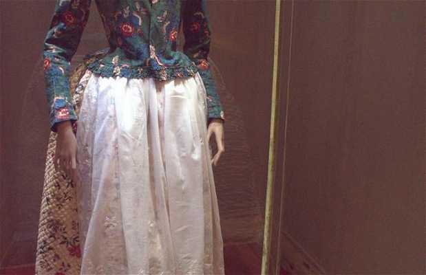 Museo del traje y joyas antiguas