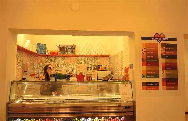 Pixhelados Heladería y Cafetería