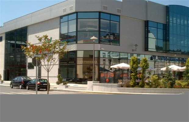 Centro comercial Finis Terrae (Cee)