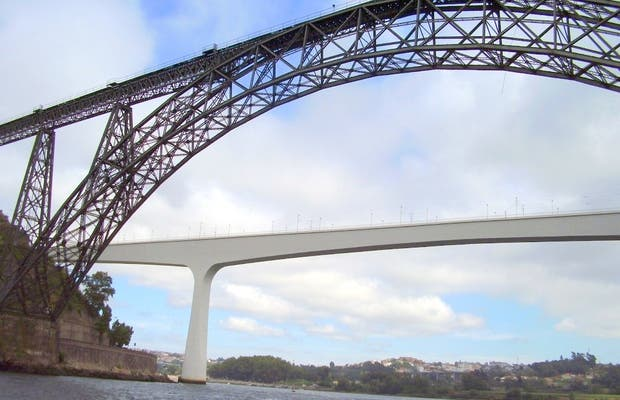 Puente Maria Pia
