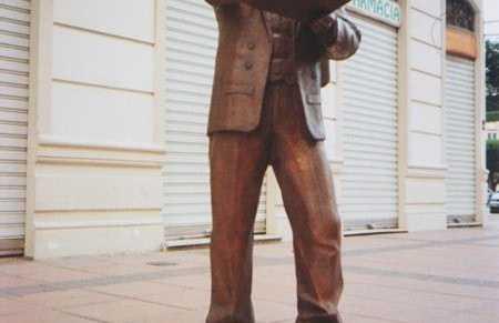 Monumento a Enrique Nieto