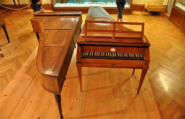 Collección de antiguos instrumentos de musica